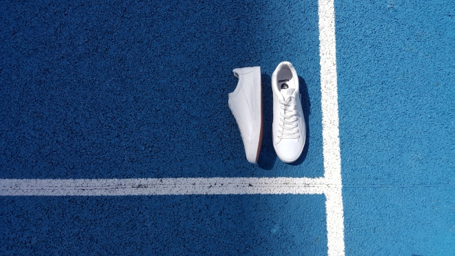 hummel-cross-court-leather-white-sneakers