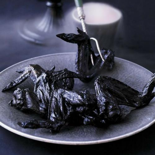 Recette-halloween-facile-plat-aile-chauve-souris-poulet-noir