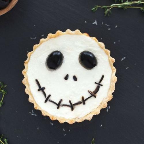 Recette-halloween-facile-plat-tarte-jack-ricota-olives-skellington
