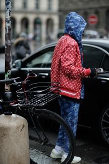 paris-fw-18-street-style-20-800x1200