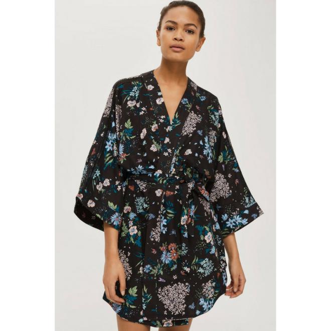 pyjama-style-kimono-robe-de-chambre-fleurs.png