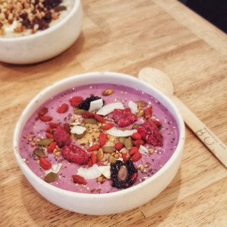 bol-porridge-bar-paris-petit-dejeuner-healthy-fruits
