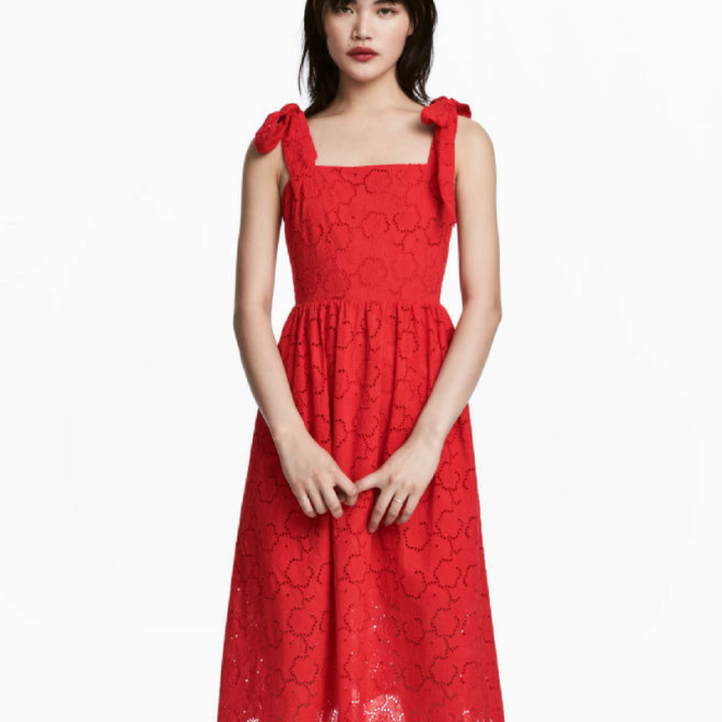 robe-rouge-broderie-anglaise-mode-hm