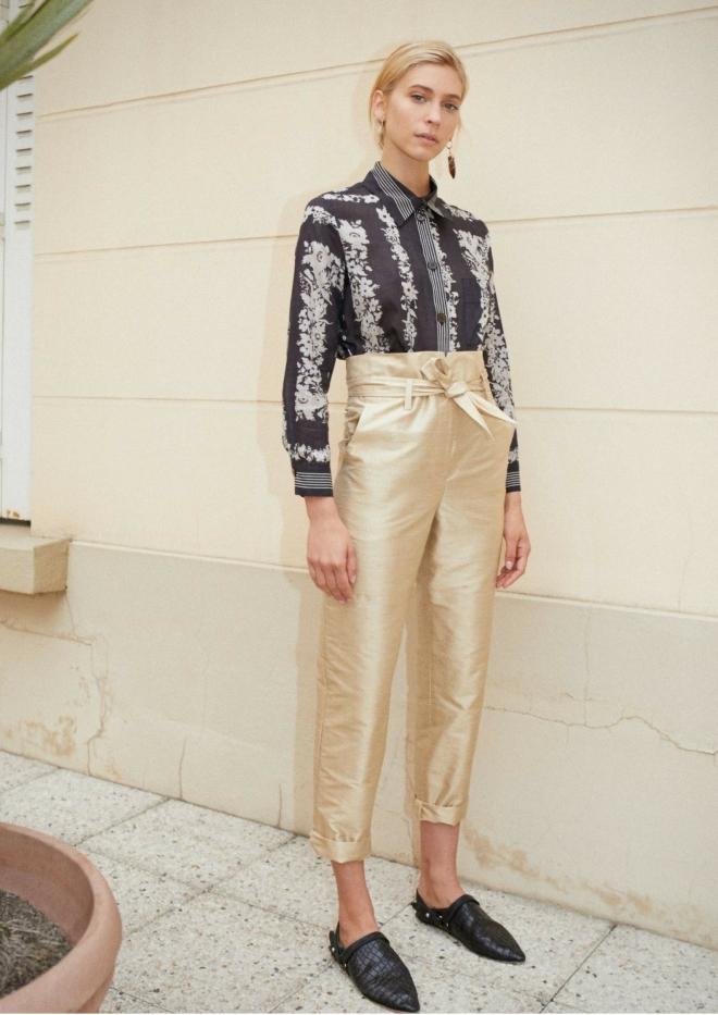tenue-mariage-invite-femme-pantalon-gold-or-nanushka