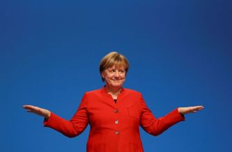 angela-merkel-style-outfit-tailleur