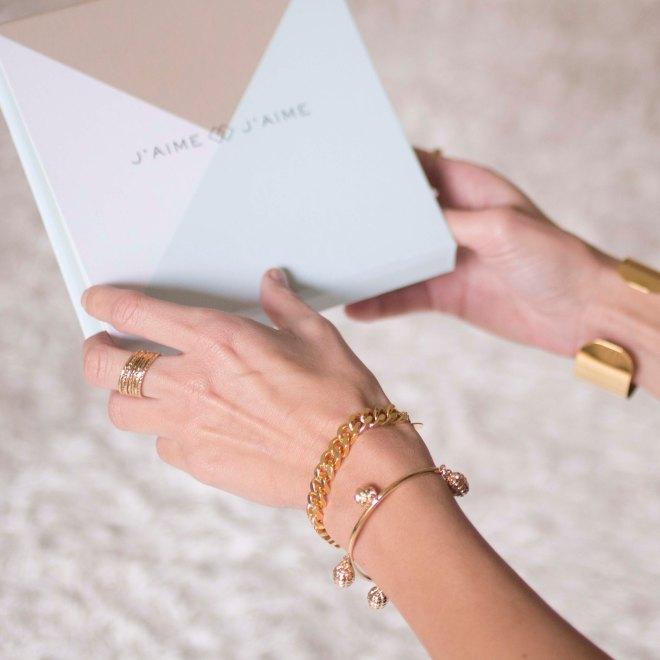 Ecrin_carré-jaime-jaime-box-location-bijoux