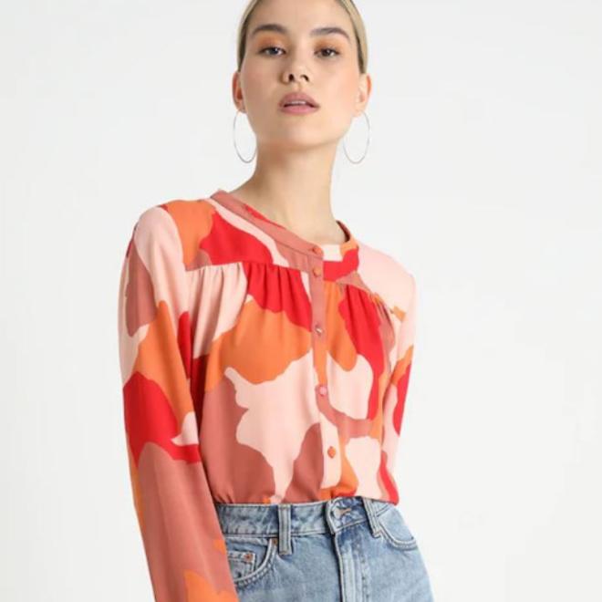 deidre-numph-blouse-pantone-2019-living-coral