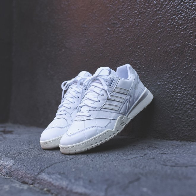 Adidas_A.R._Trainer_White_sneakers.jpg