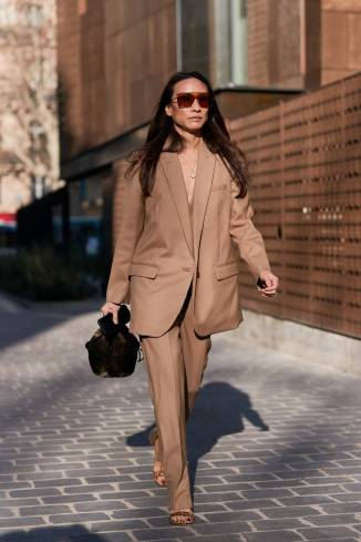 paris-fashion-week-street-style-fall-2019-277888-1551379785208-image.750x0c