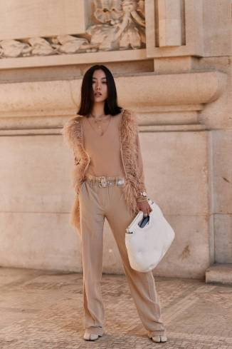 paris-fashion-week-street-style-fall-2019-277888-1551379787911-image.750x0c