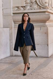paris-fashion-week-street-style-fall-2019-277888-1551379790024-image.750x0c