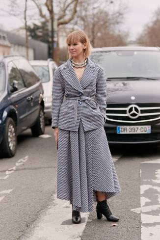 paris-fashion-week-street-style-fall-2019-277888-1551832669549-image.750x0c