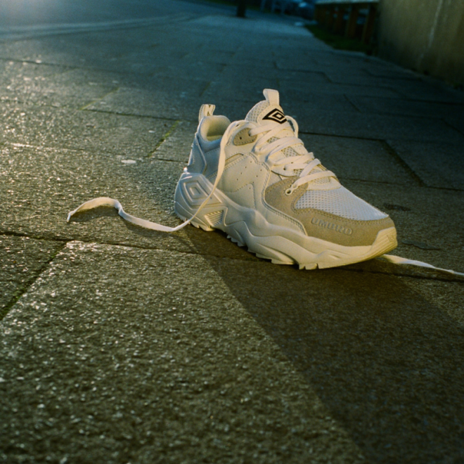 umbro-sneakers-Run-M-White-Foot.png