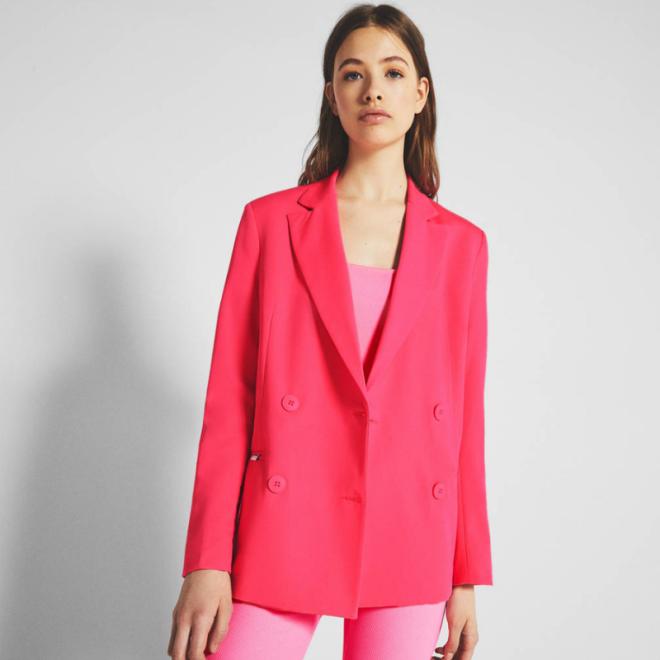 Veste tailleur PANTONE-blazer-rose-fluo-Bershka.png