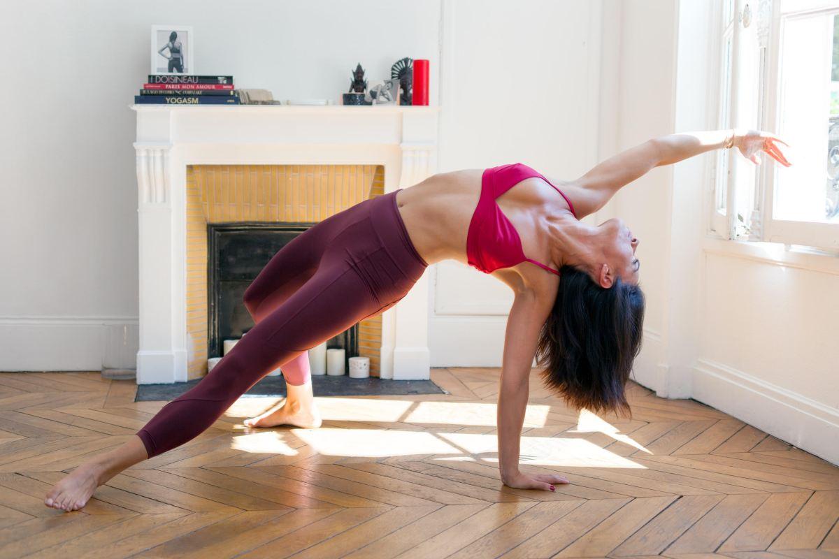 Yoga de la fertilité : écouter (enfin) ses hormones avec Charlotte Muller