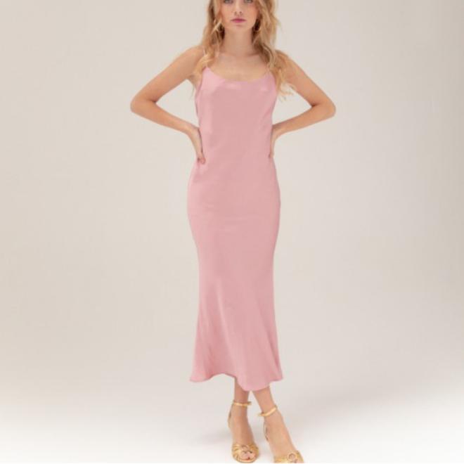 tenue-robe-invitée-mariage-musier-paris-satin-rose