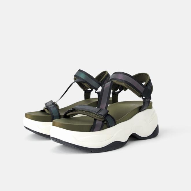 sandales-ete-chaussures-sport-compensée-zara