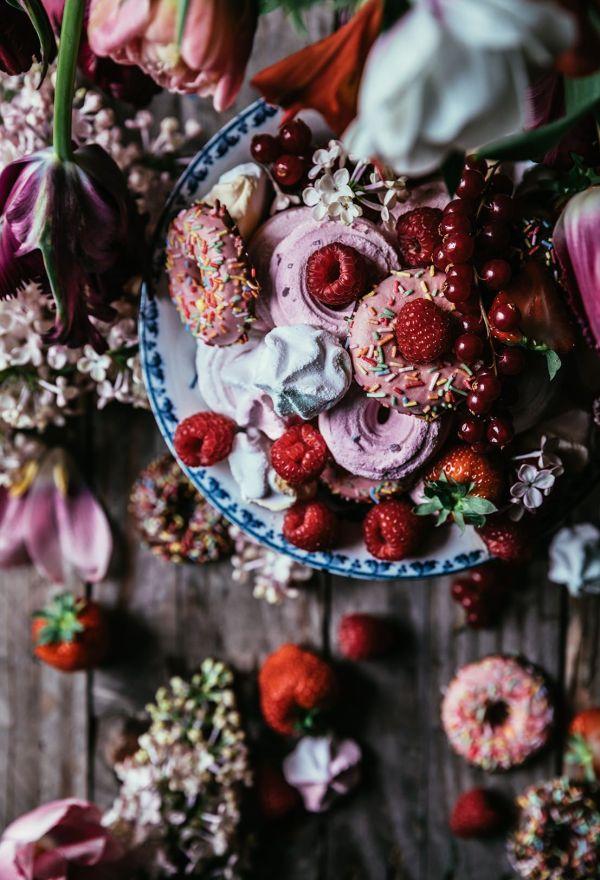 THE PINEAPPLE CHEF - Food recipes, food photography, food styling, food ideas, food photo, recipes for dinner, food photography workshop, food styling workshop, Hema, meringues, flowers, cookies