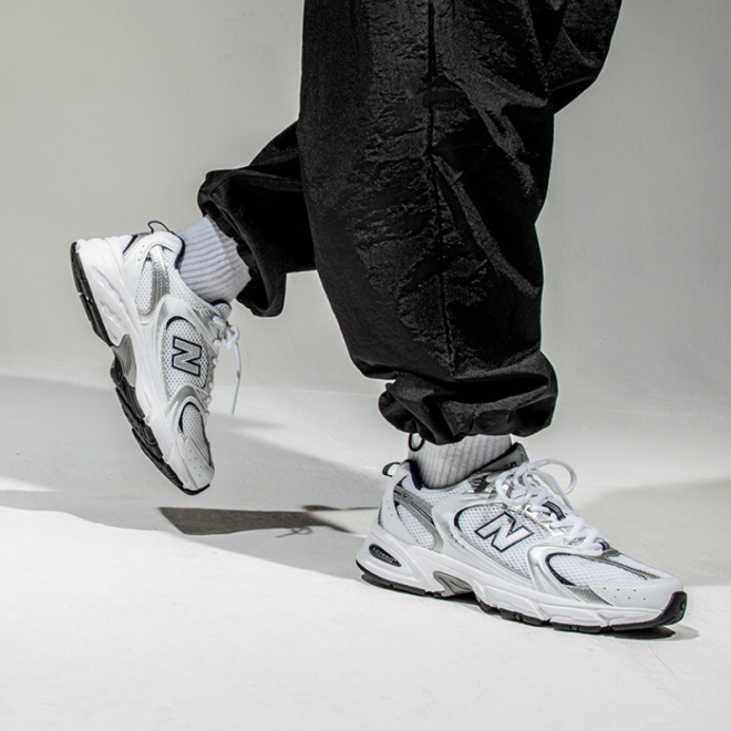 sneakers-blanches-new-balance-530